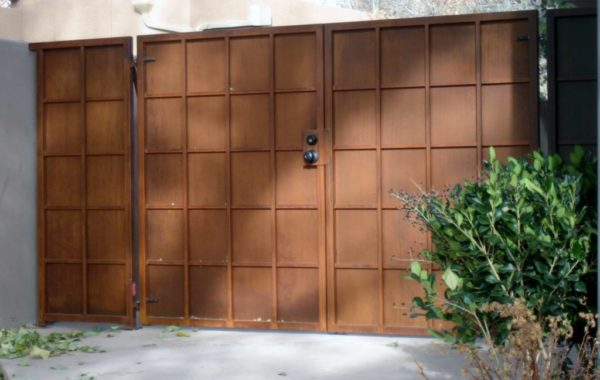 Solid Panel Gates with Mesh Design