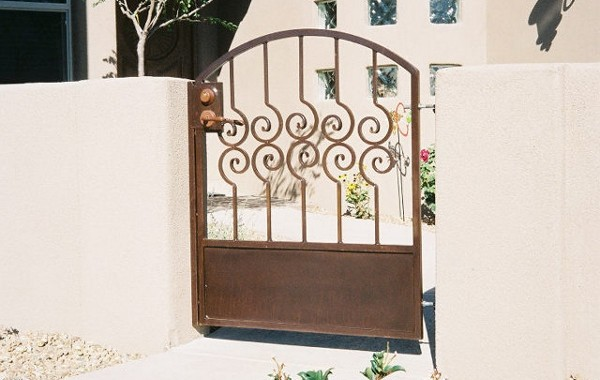 Spiral Picket Residential Gate